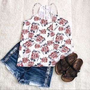 Tops - NWT floral scalloped tank